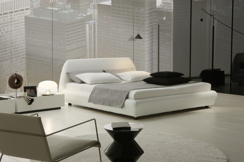 Interior-achromatic-bedrooms-with-gorgeous-combination-of ...